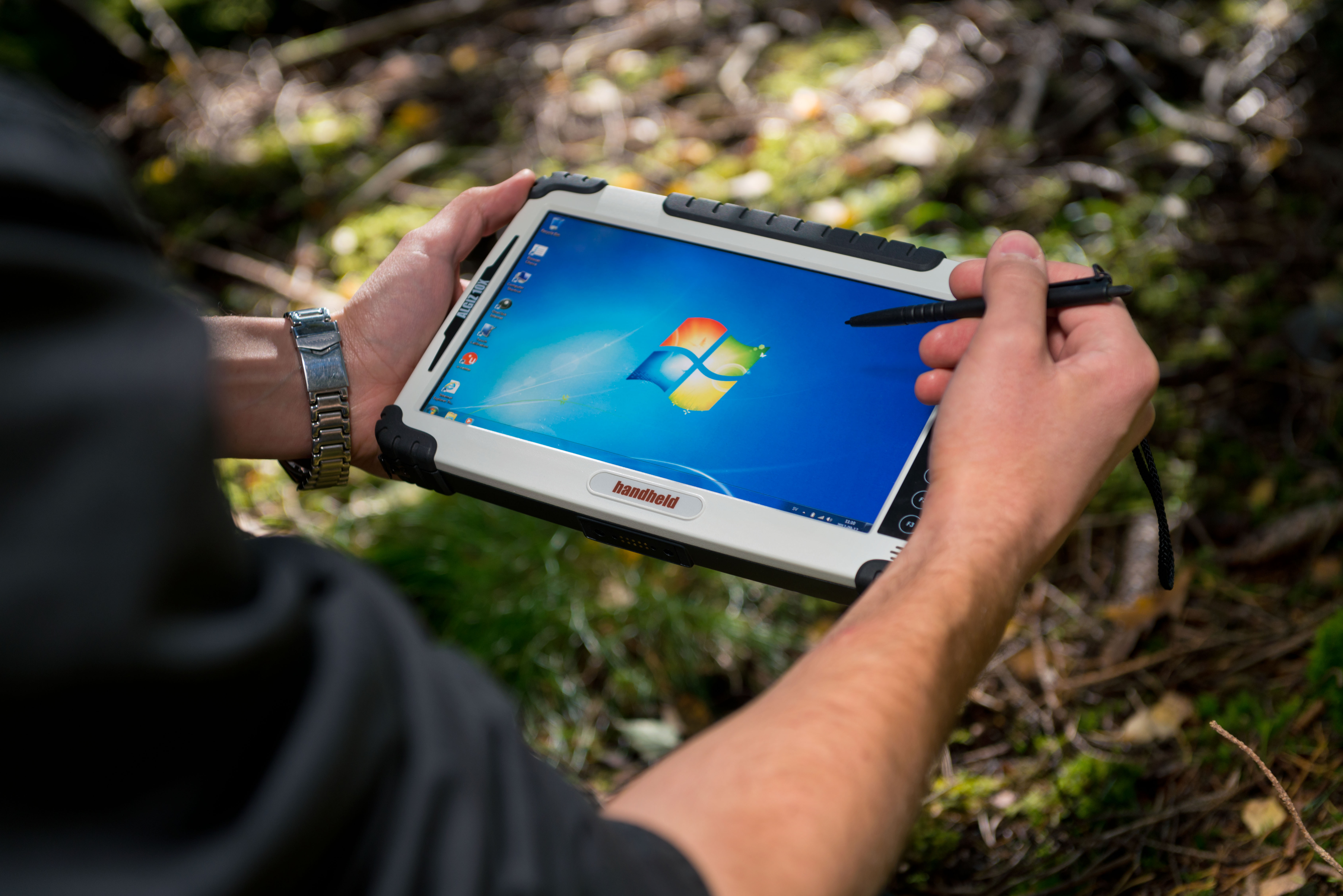 Algiz 10X Rugged tablet PC in Action